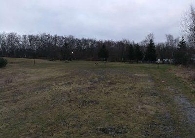 pohled z hrany kopce na koš