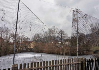 1 rybník díra v ochranné síti